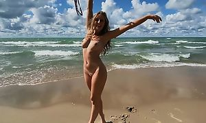 Blonde-haired minx to well done tits screwed exceeding a difficulty beach