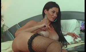 spectacular brunette chatting together with playing with her pussy(7)