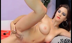 keep in view this sexy girl fingering her two holes(5)