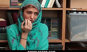 Shoplyfter- hot muslim legal stage teenager caught & harassed