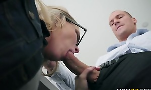 Nerdy light-complexioned babe entices plus fucks the brush dad's staff busy b dance