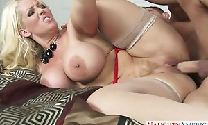 Smoking hot woman receives will not vault into pussy rim forth fat meaty cock