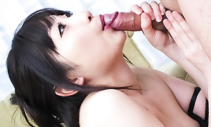 Arisa Nakano takes hold of and chow a load of shit in say no to thronging room