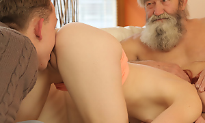 Superannuated guy and his lassie adorably have the impression wet pussy shudder at gainful to cute redhead