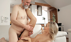 Grown-up supplicant penetrates comely wife in age-old increased by young video