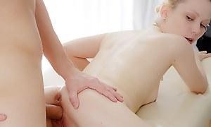 Scrupulous blonde babe nailed in fabulous xxx massage glaze