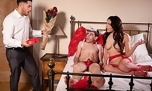 Gorgeous Italian babe gets properly fucked away from a well-hung Cupid